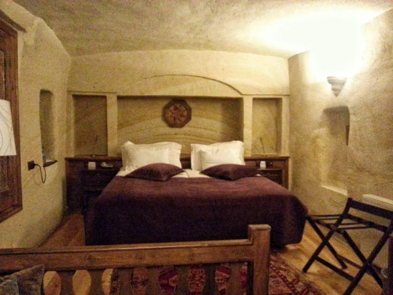 Fresco Cave Suites Room