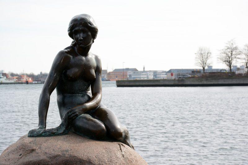 Gay Dostu Avrupa Şehirleri, Kopenhag, Küçük Deniz Kızı Heykeli
