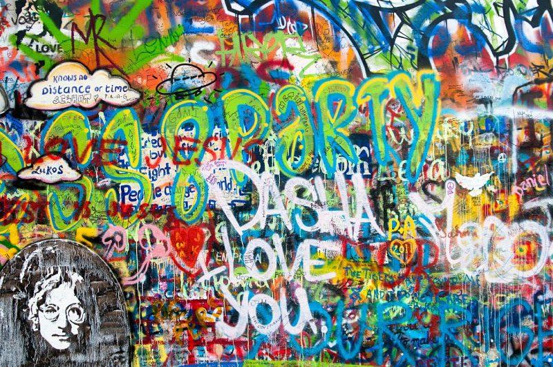 Gay Dostu Avrupa Şehirleri, Prag, John Lennon Duvarı